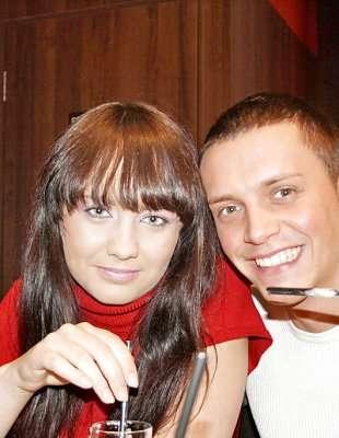 Трахают в туалете кафе на v-popu-foto.ru